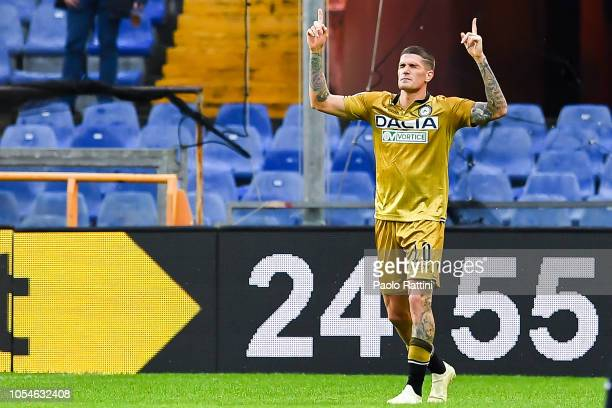 Rodrigo De Paul of Udinese celebrates after scoring a goal during the Serie A match between Genoa CFC and Udinese at Stadio Luigi Ferraris on October...