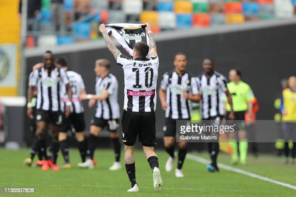 Rodrigo De Paul of Udinese celebrates after scoring a goal during the Serie A match between Udinese and Empoli at Stadio Friuli on April 7 2019 in...