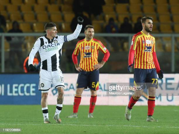 Rodrigo De Paul of Udinese celebrates after scoring his team's opening goal during the Serie A match between US Lecce and Udinese Calcio at Stadio...