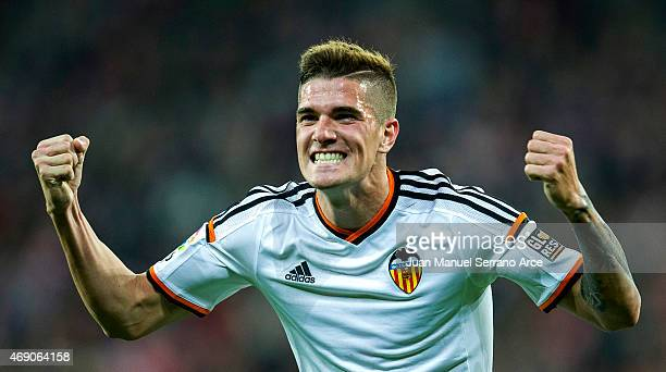 Rodrigo de Paul of Valencia CF celebrates after scoring during the La Liga match between Athletic Club Bilbao and Valencia CF at San Mames Stadium on...