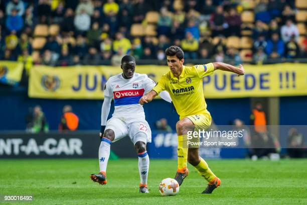 Rodrigo Hernandez Cascante Rodri of Villarreal CF battles for the ball with Ferland Mendy of Olympique Lyon during the UEFA Europa League 201718...