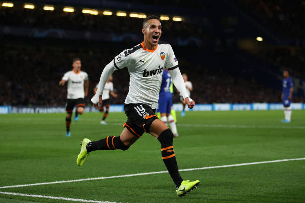 GBR: Chelsea FC v Valencia CF: Group H - UEFA Champions League