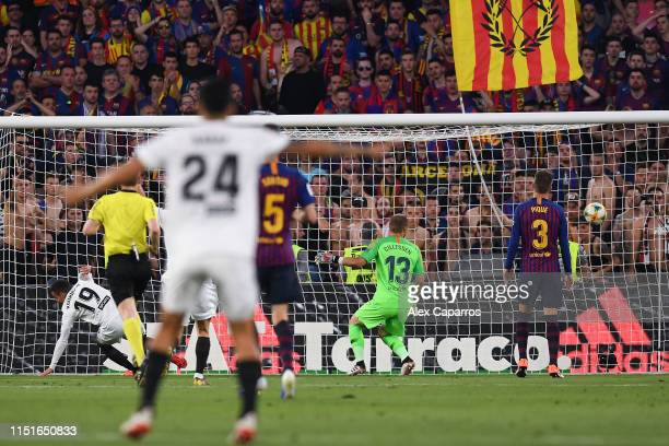 Rodrigo Moreno of Valencia CF scores his team's second goal during the Spanish Copa del Rey match between Barcelona and Valencia at Estadio Benito...