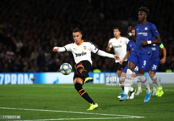Rodrigo Moreno of Valencia scores his team's first goal during the UEFA Champions League group H match between Chelsea FC and Valencia CF at Stamford...