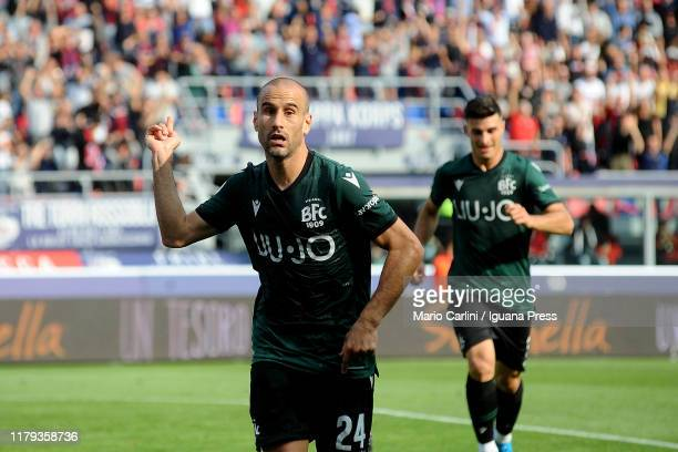 Rodrigo Palacio of Bologna FC celebrates after scoring his team's second goal during the Serie A match between Bologna FC and SS Lazio at Stadio...