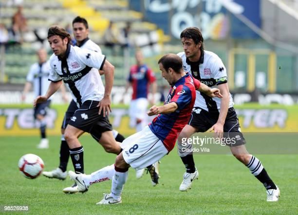 Rodrigo Palacio of Genoa CFC scores the opening goal during the Serie A match between Parma FC and Genoa CFC at Stadio Ennio Tardini on April 18 2010...