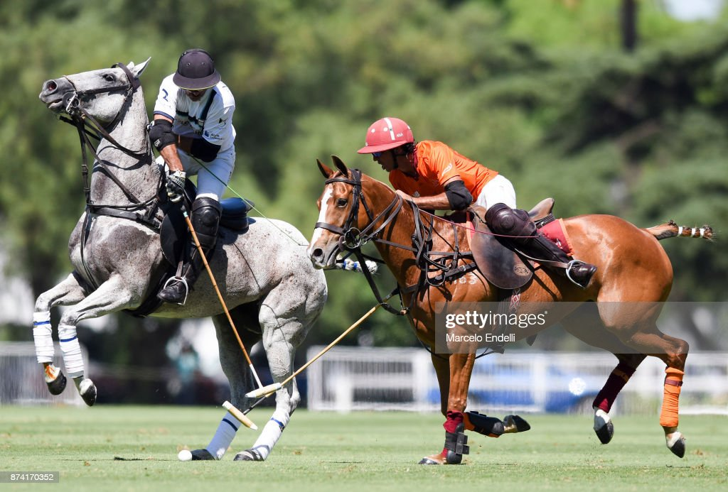 Rodrigo Ribeiro de Andrade of La Esquina competes for the ball with Alejandro Novillo Astrada of La Aguada during a match between La Aguada L. M. v La Esquina L. M. as part of the HSBC 124°° Argentina Polo Open at Campo Argentino de Polo on November 14, 2017 in Buenos Aires, Argentina.