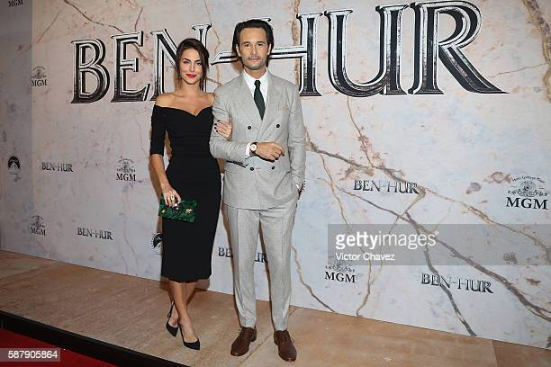 Rodrigo Santoro and guest attend the Mexico Premiere of the Paramount Pictures 'BenHur' at Metropolitan Theater on August 9 2016 in Mexico City Mexico