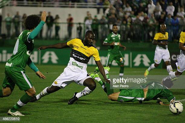 Rodrigo Souza #r of Criciuma struggles for the ball with Leandro of Chapecoense during a match between Chapecoense and Criciuma for the Brazilian...