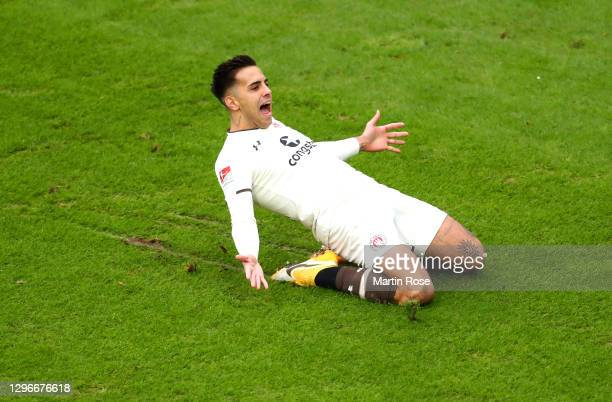 Rodrigo Zalazar of FC St. Pauli celebrates after scoring his team's first goal during the Second Bundesliga match between Hannover 96 and FC St....