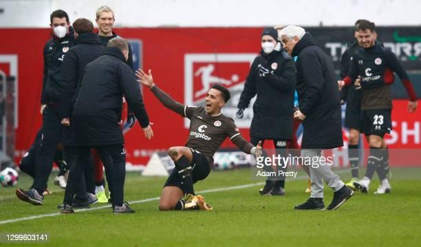 Rodrigo Zalazar of St. Pauli celebrates his team's fourth goal during the Second Bundesliga match between 1. FC Heidenheim 1846 and FC St. Pauli at...