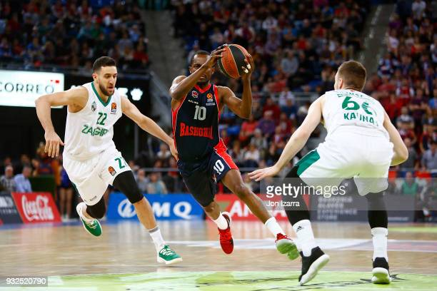 Rodrigue Beaubois #10 of Baskonia Vitoria Gasteiz in action during the 2017/2018 Turkish Airlines EuroLeague Regular Season Round 26 game between...