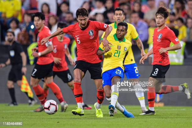Rodrygo Goes of Brazil plays against Jung Wooyoung of South Korea during the match between Brazil and Korea Republic on November 19 2019 at Mohammed...