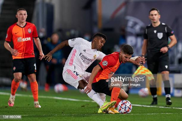 Rodrygo Goes of Real Madrid battle for the ball with Manor Solomon of Shakhtar Donetsk during the UEFA Champions League Group B stage match between...