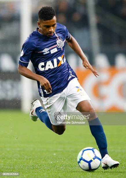 Rodrygo of Santos in action during the match against Corinthians for the Brasileirao Series A 2018 at Arena Corinthians Stadium on June 06 2018 in...