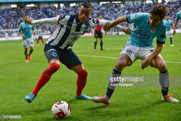 Rogelio Funes Mori of Monterrey fights for the ball with Unai Bilbao of San Luis during the 9th round match between Monterrey and Atletico San Luis...