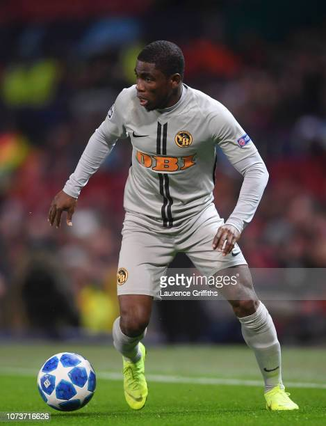 Roger Assale of BSC Young Boys runs with the ball during the UEFA Champions League Group H match between Manchester United and BSC Young Boys at Old...