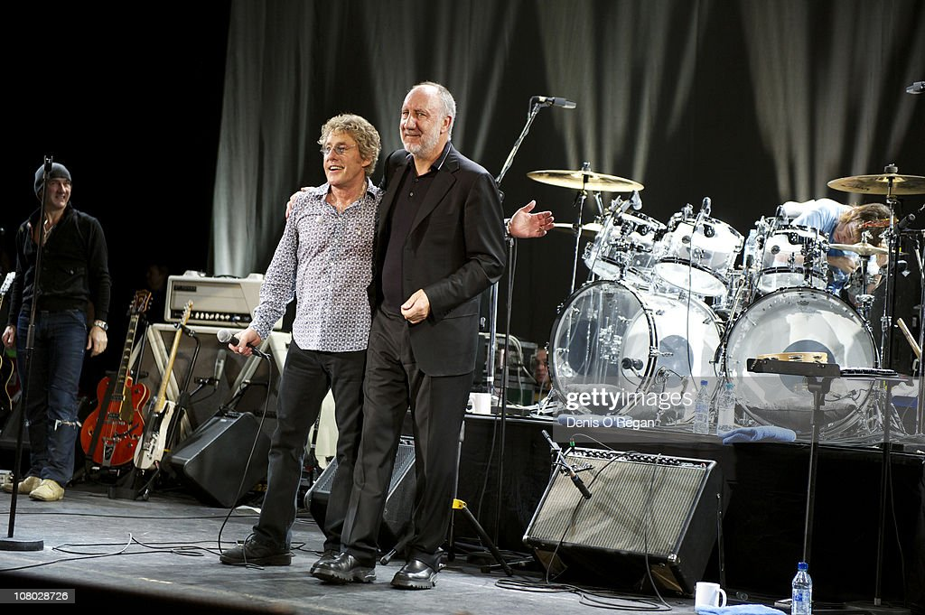A Concert For Killing Cancer : News Photo