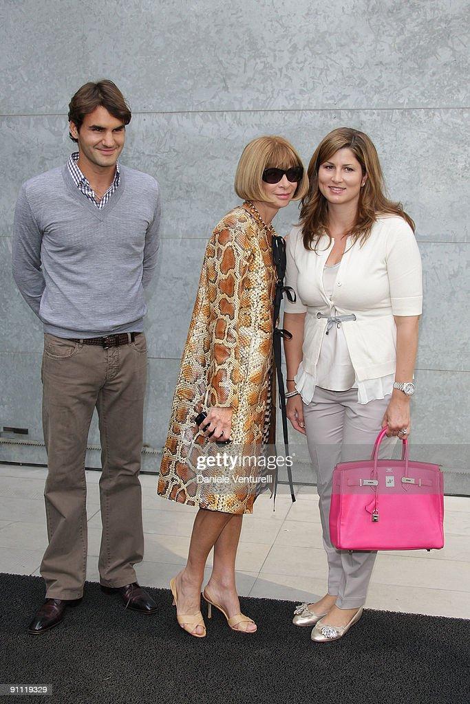 Giorgio Armani - Milan Fashion Week Spring/Summer 2010 : ニュース写真