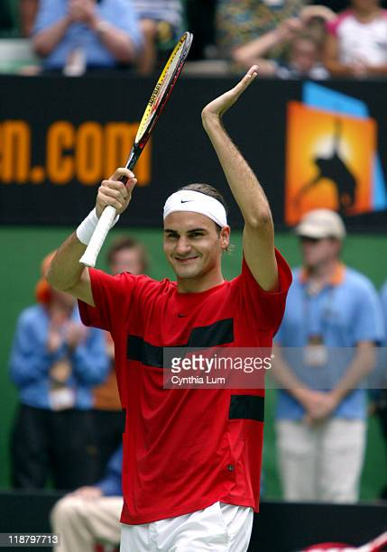 Roger Federer becomes the Australian Open Champion with a 76 64 62 victory over Marat Safin