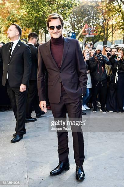 Roger Federer is seen arriving at Chanel Fashion show during Paris Fashion Week Spring/Summer 2017 on October 4 2016 in Paris France