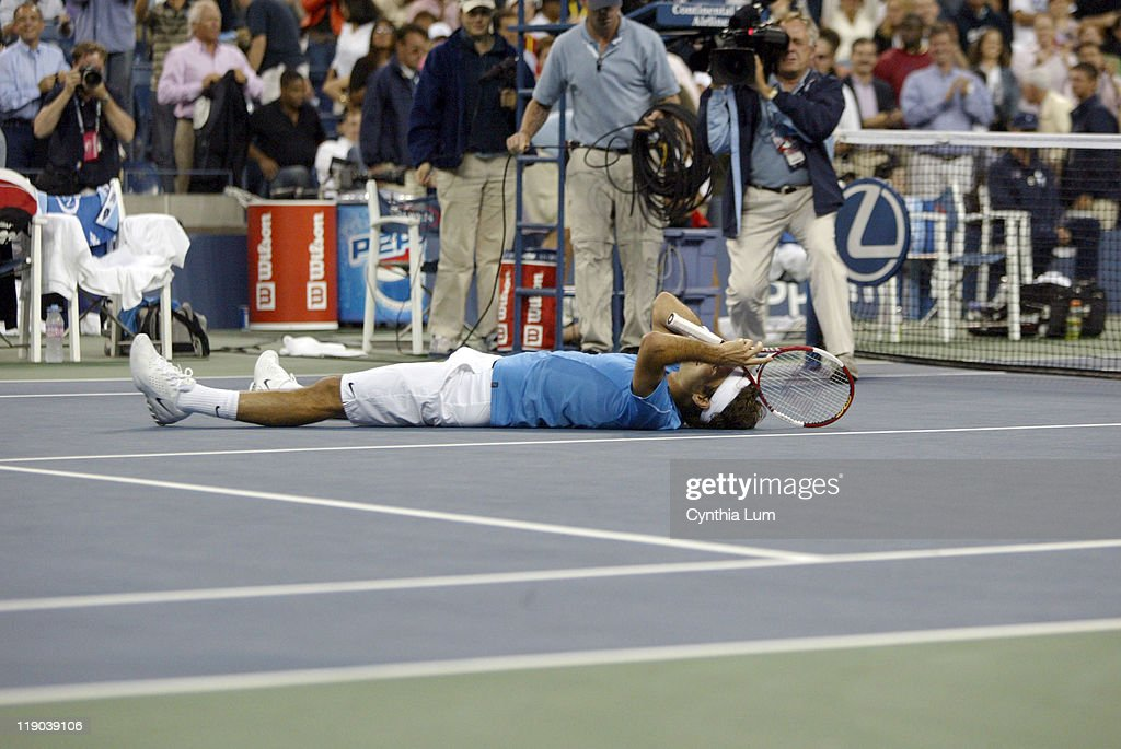 Roger Federer of Switzerland, captures the 2006 US Open title, defeating Andy Roddick of the USA, 6-2, 4-6, 7-7, 6-1 at The USTA Billie Jean King Tennis Center, Flushing Meadow, NY