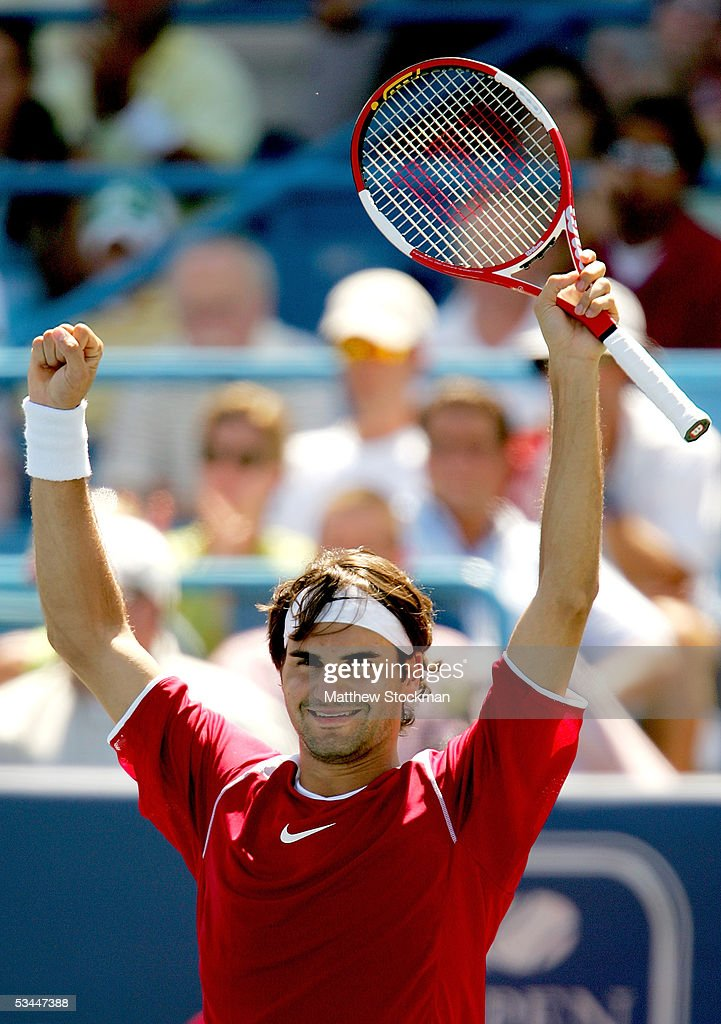 Roger Federer of Switzerland celebrates match point against Andy Roddick during the final of the Western & Southern Financial Group Masters on August 21, 2005 at the Lindner Family Tennis Center in Mason, Ohio.