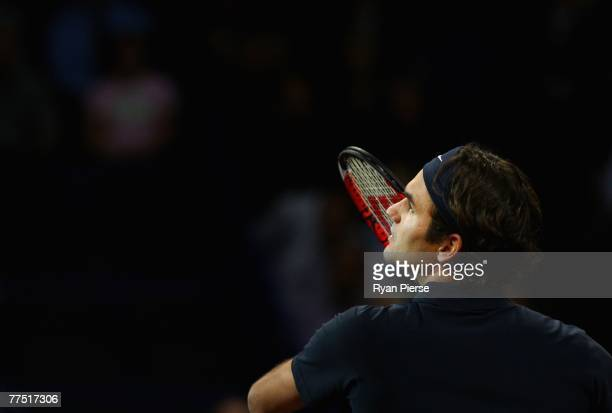 Roger Federer of Switzerland prepares for a smash during his Quarter Final singles match against Nicolas Kiefer of Germany during Day Four of the ATP...