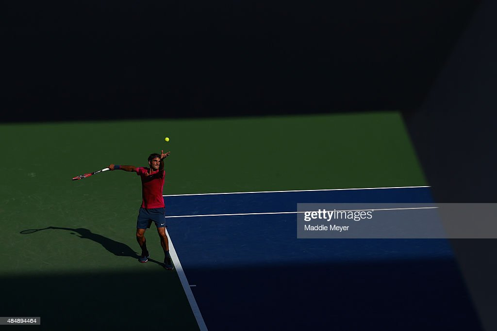 Roger Federer of Switzerland serves to Andy Murray of Great Britain during the semifinals on Day 8 of the Western & Southern Open at the Lindner Family Tennis Center on August 22, 2015 in Cincinnati, Ohio.