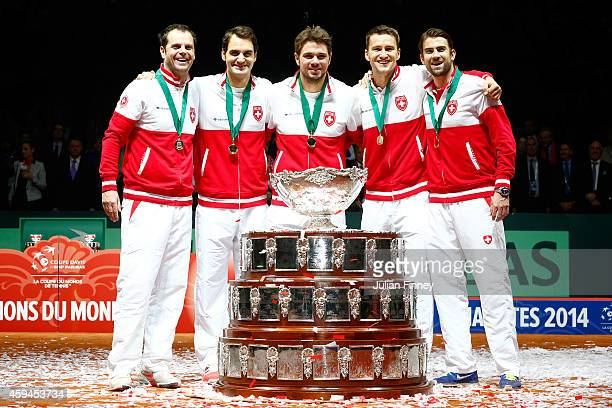 Roger Federer of Switzerland Stanislas Wawrinka of Switzerland Marco Chiudinelli of Switzerland Michael Lammer of Switzerland and Captain Severin...