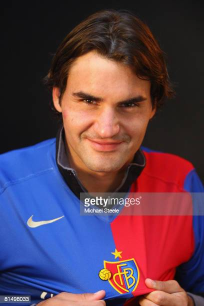Roger Federer of Switzerland wearing a FC Basle football shirt on day six of the Masters Series at the Monte Carlo Country Club, April 24, 2008 in...