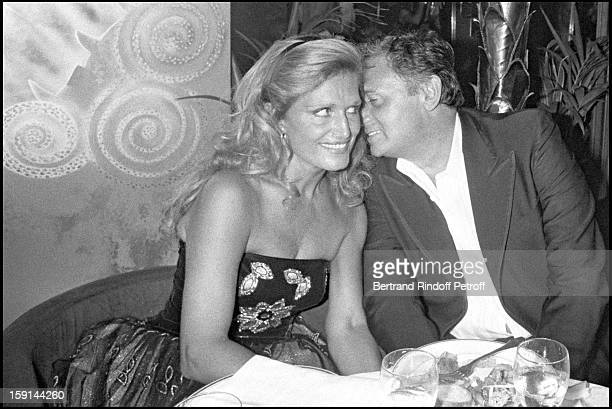 Roger Hanin and Dalida attend the premiere of 'Lady Chatterley' in Paris in 1981
