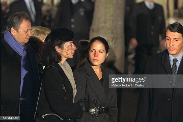 Roger Hanin, Anne Pingeot, Mazarine et Gilbert Mitterrand.