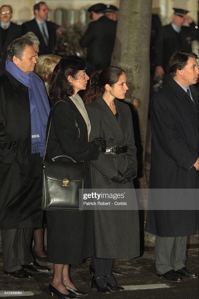 Obsèques de François Mitterrand : Levée du corps : Photo d'actualité