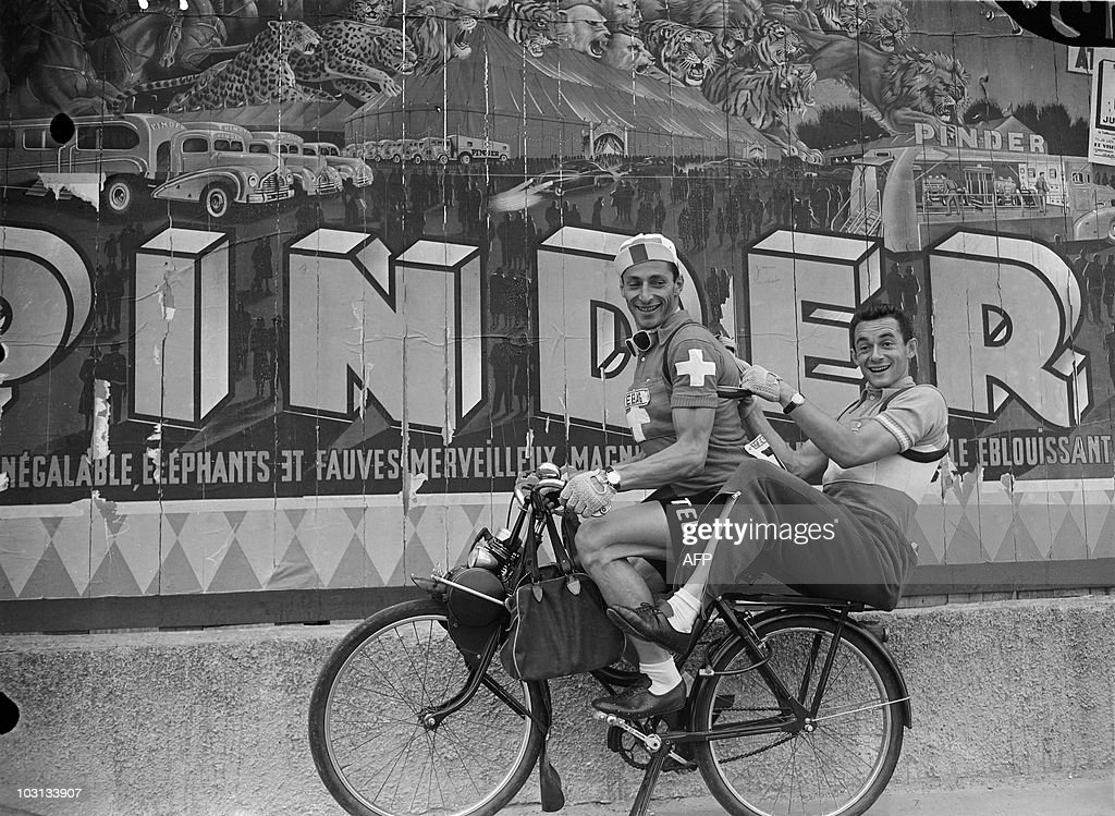 Roger Hassenforder (R) and Ferdi Kubler : Foto di attualità