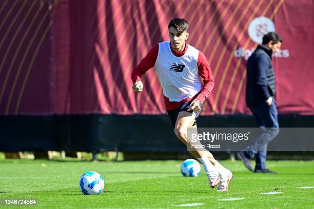 Roger Ibanez in action during a training session at Centro Sportivo Fulvio Bernardini on October 15, 2021 in Rome, Italy.