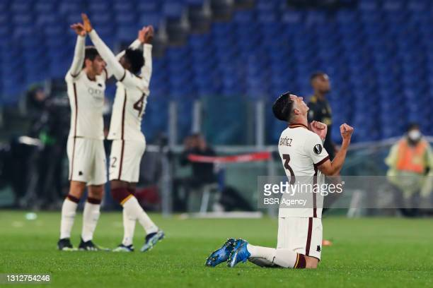 Roger Ibanez of AS Roma celebrating the win during the UEFA Europa League Quarter Final: Leg Two match between AS Roma and Ajax at Stadio Olimpico on...