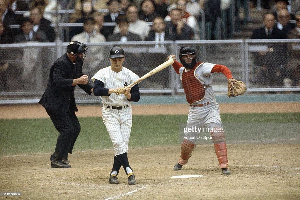 Cardinals v Yankees : News Photo