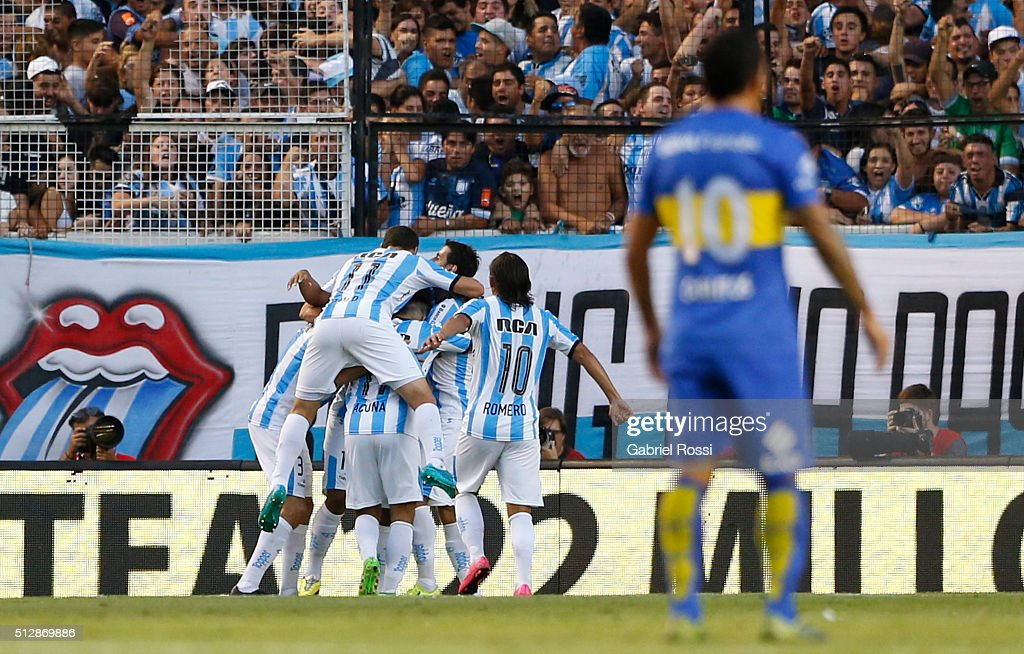 Roger Martinez of Racing Club celebrates with his teammates after scoring the first goal of his team during a fifth round match between Racing Club and Boca Juniors as part of Torneo Transicion 2016 at Presidente Peron Stadium on February 28, 2016 in Avellaneda, Argentina.