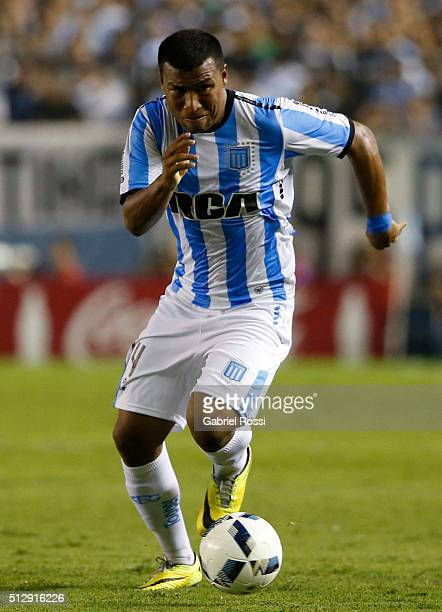 Roger Martinez of Racing Club drives the ball during a fifth round match between Racing Club and Boca Juniors as part of Torneo Transicion 2016 at...
