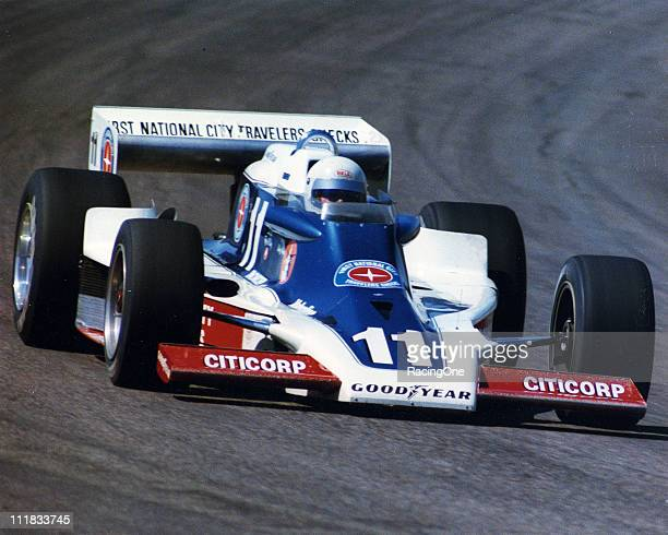 Roger McCluskey at the wheel of Lindsey HopkinsÕ Citicorpsponsored Lightning/Offenhauser during a USAC Indy Car race at Phoenix International Raceway...