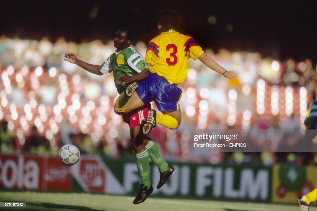 Soccer - FIFA World Cup Italia 90 - Second Round - Colombia v Cameroon - Stadio San Paolo, Naples : Fotografía de noticias