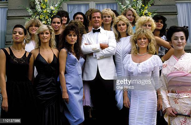 Roger Moore and his James Bond girls in the Film 'A view to kill' in France on August 17th1984