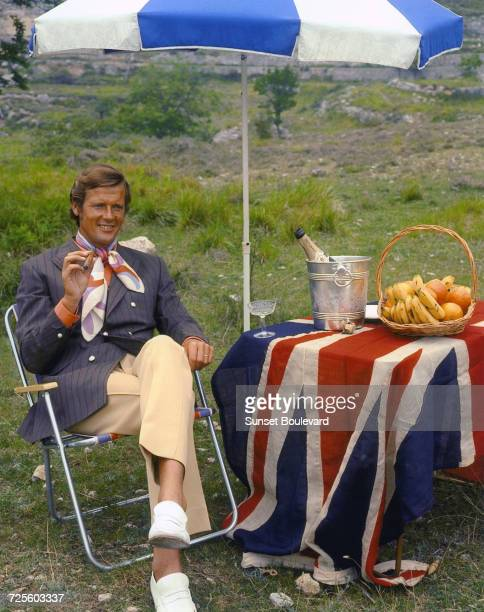 Roger Moore on the set of the TV series 'The Persuaders' circa 1971