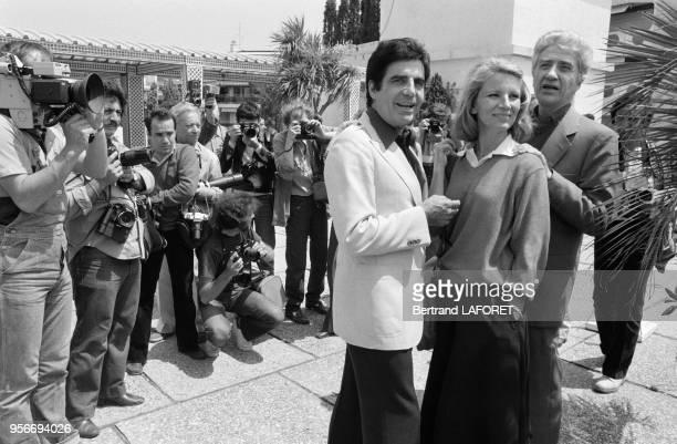 Roger Pierre Nicole Garcia et Alain Resnais pour le film 'Mon Oncle d'Amérique' lors du Festival de Cannes en mai 1980 Cannes France