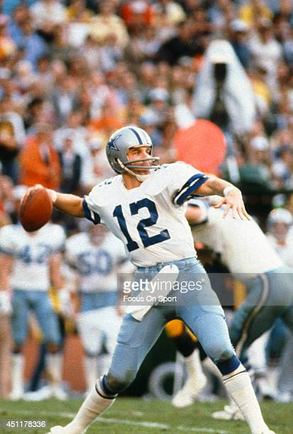 Roger Staubach of the Dallas Cowboys drops back to pass against the Pittsburgh Steelers during Super Bowl XIII on January 21 1979 at the Orange Bowl...