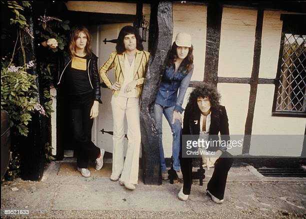 QUEEN 8/75 Roger Taylor Freddie Mercury John Deacon Brian May