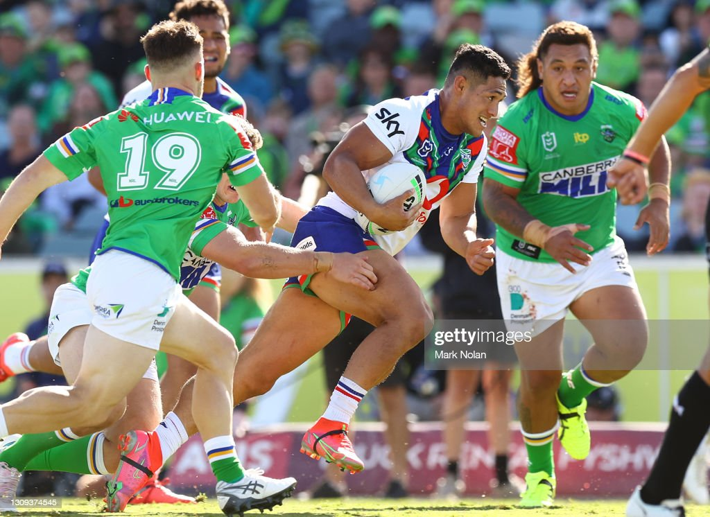 NRL Rd 3 - Raiders v Warriors : News Photo