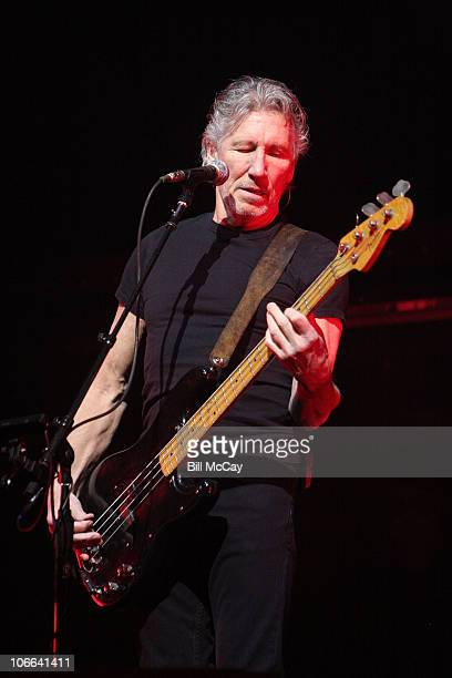 """Roger Waters performs """"The Wall"""" at the Wells Fargo Center November 8, 2010 in Philadelphia, Pennsylvania"""