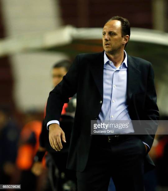 Rogerio Ceni coach of Sao Paulo gestures during a first leg match between Defensa y Justicia and Sao Paulo as part of of first round of Copa Conmebol...